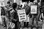 Gen&egrave;ve, le 12.10.2017<br /> Une quarantaine de journalistes de la Tribune de Gen&egrave;ve (TdG) et de syndicalistes se sont r&eacute;unis jeudi apr&egrave;s-midi devant l&rsquo;H&ocirc;tel de ville. Ils ont remis des courriers au pr&eacute;sident du Conseil d&rsquo;Etat, Fran&ccedil;ois Longchamp, et &agrave; des membres de la Commission de l&rsquo;Economie pour leur demander un appui politique dans leur lutte pour que l&rsquo;&eacute;diteur Tamedia ne d&eacute;localise pas une importante partie de la r&eacute;daction du quotidien &agrave; Lausanne<br /> Le Courrier / &copy; C&eacute;dric Vincensini