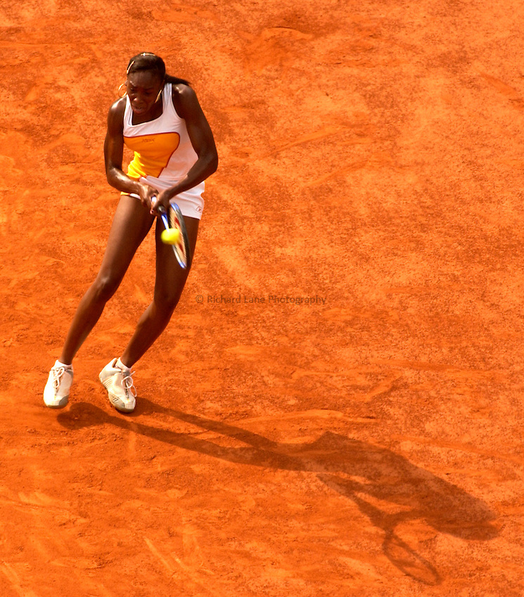 Photo. Jed Wee..French Open Tennis Championships, Roland Garros, Paris, France. 29/05/2003..Venus Williams.