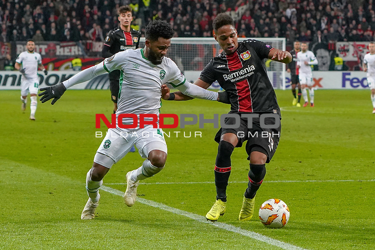 29.11.2018, BayArena, Leverkusen, Europaleque, Vorrunde, GER, UEFA EL, Bayer 04 Leverkusen (GER) vs. Ludogorez Rasgrad (BUL),<br />  <br /> DFL regulations prohibit any use of photographs as image sequences and/or quasi-video<br /> <br /> im Bild / picture shows: <br /> Cicinho (Ludogorez Rasgrad #4), regt sich auf Wendell (Leverkusen #18), hat ihm den Ball abgenommen<br /> <br /> Foto © nordphoto / Meuter<br /> <br /> <br /> <br /> Foto © nordphoto / Meuter