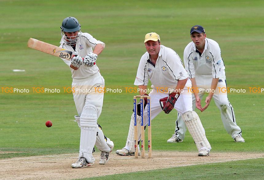 Bishop's Stortford batsman Glenn Querl in action - Bishop's Stortford CC vs Ardleigh Green CC - Evening Standard Trophy Quarter-Final at Bishop's Stortford CC - 27/07/08 - MANDATORY CREDIT: Gavin Ellis/TGSPHOTO - Self billing applies where appropriate - Tel: 0845 094 6026.