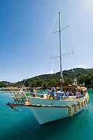 Seychelles, Island La Digue: boat transfer to Island Praslin<br />
