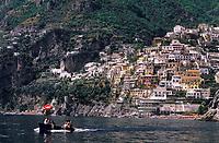 Europe/Italie/Côte Amalfitaine/Campagnie/Positano : Les maisons du village à flan de coteau