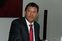 SAO PAULO, SP, 02 JANEIRO 2013 - POLITICA - PREIFEITO FERNANDO HADDAD - O novo prefeito de Sao Paulo Fernando Haddad se reune na tarde desta quarta-feira(02) com Comitê da Ordenação Territorial e Urbana, no Edificio Matarazzo sede da Prefeitura de Sao Paulo, nesta quarta-feira, 02. (FOTO: AMAURI NEHN / BRAZIL PHOTO PRESS).