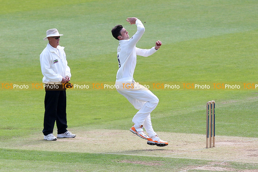 Reece Topley in bowling action for Essex - Hampshire CCC vs Essex CCC - LV County Championship Division Two Cricket at the Ageas Bowl, West End, Southampton - 17/06/14 - MANDATORY CREDIT: Gavin Ellis/TGSPHOTO - Self billing applies where appropriate - 0845 094 6026 - contact@tgsphoto.co.uk - NO UNPAID USE