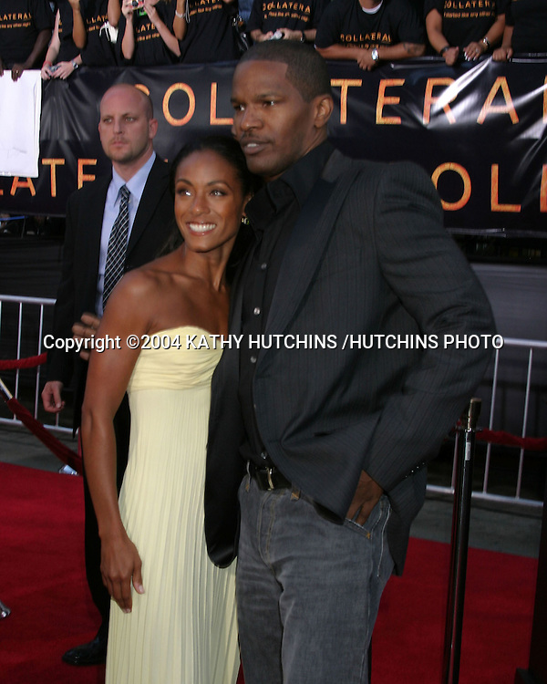 "©2004 KATHY HUTCHINS /HUTCHINS PHOTO.PREMIERE OF ""COLLATERAL"".ORPHEUM THEATER, DOWNTOWN LA.LOS ANGELES, CA.AUG 2, 2004..JADA PINKETT SMITH.JAMIE FOXX."