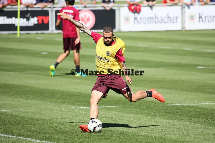 Luc Castaignos (Eintracht Frankfurt) - Eintracht Frankfurt Training, Commerzbank Arena