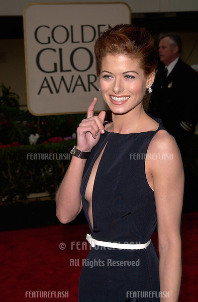 23JAN2000:  Actress DEBRA MESSING at the Golden Globe Awards in Beverly Hills..© Paul Smith / Featureflash