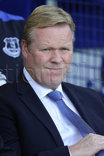 17.09.2016. Goodison Park, Liverpool, England. Premier League Football. Everton versus Middlesbrough. Ronald Koeman, manager of Everton looks on from the dugout.