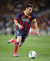 FUSSBALL  INTERNATIONAL   SAISON 2011/2012   02.08.2013 Gamper Cup 2013 FC Barcelona - FC Santos Lionel Messi (Barca) am Ball