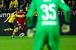 10.11.2018, Signal Iduna Park, Dortmund, GER, 1.FBL, Borussia Dortmund vs FC Bayern M&uuml;nchen, DFL REGULATIONS PROHIBIT ANY USE OF PHOTOGRAPHS AS IMAGE SEQUENCES AND/OR QUASI-VIDEO<br /> <br /> im Bild | picture shows:<br /> Lukasz Piszczek (Borussia Dortmund #26) im Duell mit Franck Ribery (Bayern #7), <br /> <br /> Foto &copy; nordphoto / Rauch