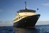 rapture at anchor at Pearl and Hermes, Papahanaumokuakea Marine National Monument, Northwestern Hawaiian Islands, Hawaii, USA, Pacific Ocean