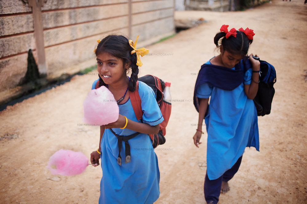 SOUTH INDIAN SCHOOL STUDENTS - Images | Tom Pietrasik Photography