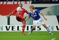 FUSSBALL   1. BUNDESLIGA   SAISON 2011/2012    6. SPIELTAG FC Schalke 04 - FC Bayern Muenchen                       18.09.2011 Jerome BOATENG (li, Bayern) gegen Teemu PUKKI (re, Schalke)