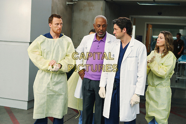 "KEVIN MCKIDD, JAMES PICKENS JR., PATRICK DEMPSEY, ELLEN POMPEO.in Grey's Anatomy (series 5, episode 11 ""Wish You Were Here"") -.*Filmstill - Editorial Use Only*.CAP/NFS.Supplied by Capital Pictures."