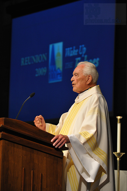 Father Theodore Hesburgh, C.S.C. gives the homily at the Mass during Reunion 2009...Photo by Matt Cashore/University of Notre Dame