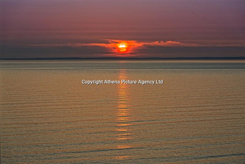 The sun sets in Rhossili