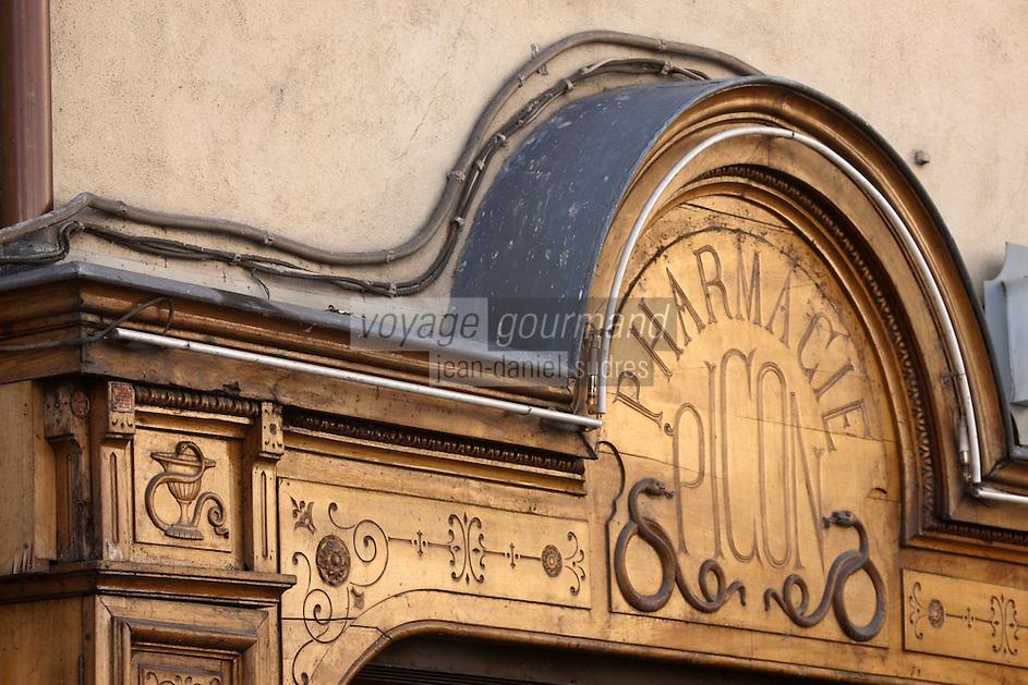 Europe/France/Rhône-Alpes/74/Haute-Savoie/Annecy: détail vieille Pharmacie Picon, Rue Grenette dont la devanture a été sculptée par Alexandre Furno en 1890