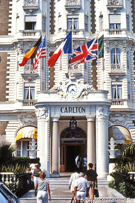 Cannes: Hotel Carlton, luxurious hotel on French Riviera. 1909. Photo '83.