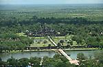 Temples d 'Angkor, ancienne cite royale khmere. Temple de Angkor Vat vu depuis une montgolfiere .