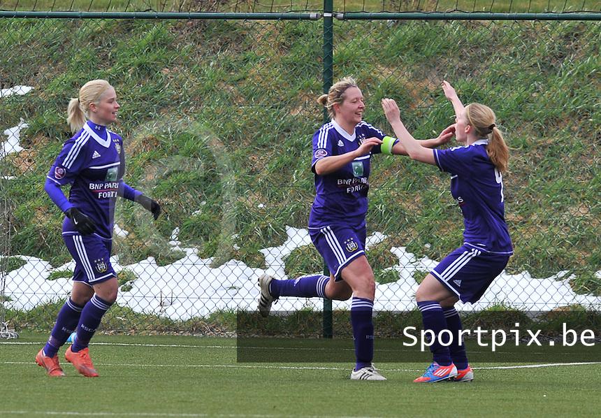 RSC Anderlecht Dames - PSV / FC Eindhoven :  vreugde bij Sophie Mannaert die de 1-1 gelijkmaker scoorde (midden).foto David Catry / Vrouwenteam.be