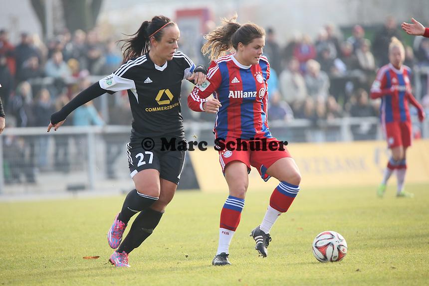 Katherine Stengel (Bayern) gegen Peggy Kuznik  (FFC) - 1. FFC Frankfurt vs. FC Bayern Muenchen, Stadion am Brentanobad