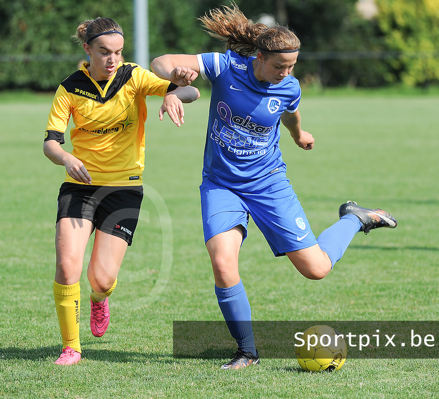 20160827 - ZWEVEZELE , BELGIUM : Genk's Hanne Merkelbach (R)   and Zwevezele's Ellen Lagrange (L) pictured during the soccer match  in the 2nd round of the  Belgian cup 2017 , a soccer women game between SK Voorwaarts Zwevezele and RC Genk Ladies  , in Zwevezele , saturday 27 th August 2016 . PHOTO SPORTPIX.BE / DIRK VUYLSTEKE