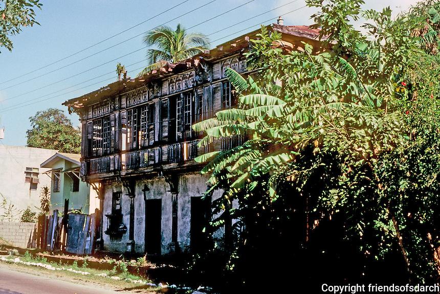 Philippines: Agoo--large abandoned traditional house. Photo '82.