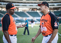 Lorenzo Bundy manager de naranjeros y Derek Bryant gerente deportivo, durante el d&iacute;a de apertura de la temporada de beisbol de la Liga Mexicana del Pacifico 2017 2018 con el partido entre Naranjeros vs Yaquis. 11 octubre2017 . <br /> (Foto: Luis Gutierrez /NortePhoto.com)