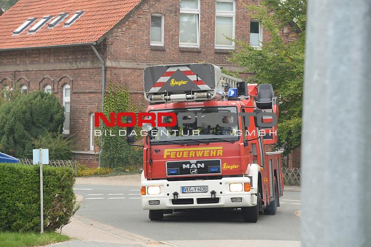 25.09.2013, Willohstrasse 11, Vechta, GER, Brand JVA Vechta - Uebung, im Bild<br /> Grossalarm ruer die Vechtaer Feuerwehr - Sachverhalt es brennt ein Haftraum ( Eisnatzeit 17.33 ) - Es war eine Uebung<br /> Foto &copy; nph / KFOTO / Kokenge
