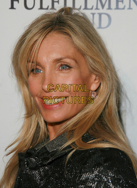 HEATHER THOMAS.Chairman & CEO Tom Rothman at the Annual Stars 2006 Benefit Gala held at the Beverly Hilton Hotel, Beverly Hills, California, USA, 16 October 2006..portrait headshot  .Ref: ADM/CH.www.capitalpictures.com.sales@capitalpictures.com.©Charles Harris/AdMedia/Capital Pictures.