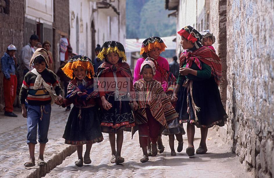 Amérique/Amérique du Sud/Pérou/Pisac : Enfants dans les rues
