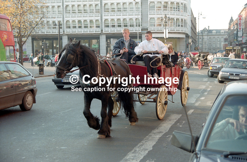 Jaunting car, St Stephen's Green, Dublin, Rep of Ireland, 199710003..Copyright Image from Victor Patterson, 54 Dorchester Park, Belfast, United Kingdom, UK...For my Terms and Conditions of Use go to http://www.victorpatterson.com/Victor_Patterson/Terms_%26_Conditions.html