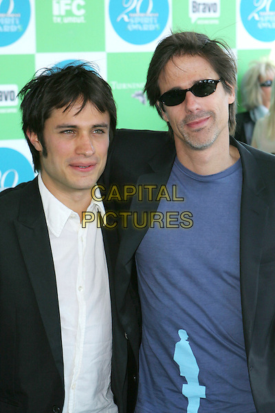 GAEL GARCIA BERNAL & WALTER SALLES.20th Annual IFP Independent Spirit Awards held on Santa Monica Beach. .February 26th, 2005.Photo credit: Jacqui Wong/AdMedia.half length sunglasses shades .www.capitalpictures.com.sales@capitalpictures.com.© Capital Pictures.
