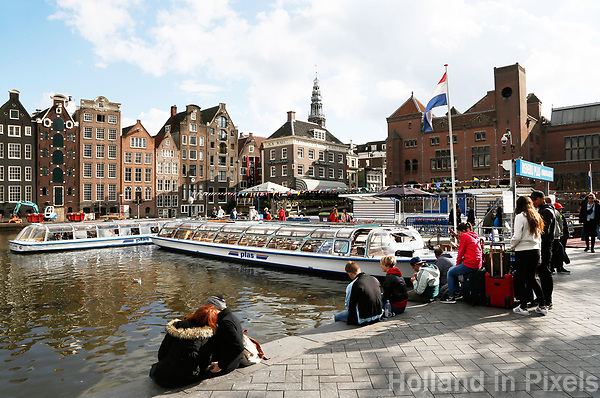 Nederland Amsterdam 2017 . Damrak. Toeristen in Amsterdam. Foto Berlinda van Dam / Hollandse Hoogte