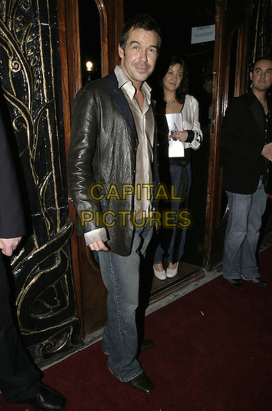STEVE BROOKSTEIN (X FACTOR).Dunes VIP club relaunch party, Kensington Church Street,.London, November 25th 2004..full length.Ref: AH.www.capitalpictures.com.sales@capitalpictures.com.©Capital Pictures.