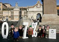 Attivisti della Coalizione Italiana contro la Poverta' (Gcap) indossano maschere raffiguranti i leader del G7, da sinistra, il Presidente Francese Nicolas Sarkozy, il Presidente del Consiglio Italiano Silvio Berlusconi, il Primo Ministro Giapponese Taro Aso, il Primo Ministro Britannico Gordon Brown, il Presidente degli Stati Uniti Barack Obama, il Primo Ministro Canadese Stephen Harper ed il Cancelliere tedesco Angela Merkel, rappresentati come i Sette Nani, durante un'azione dimostrativa in Piazza del Popolo, Roma, 25 novembre 2009, per chiedere il mantenimento della promessa fatta dai sette paesi piu' industrializzati di destinare lo 0,7% del PIL all'aiuto ai paesi in via di sviluppo entro il 2015..Acivists of the Italian Coalition against Poverty (Gcap) wear masks of G7 leaders, from left, French President Nicolas Sarkozy, Italian Premier Silvio Berlusconi, Japanese Prime Minister Taro Aso, British Prime Minister Gordon Brown, US President Barack Obama, Canadian Prime Minister Stephen Harper and German Chancellor Angela Merkel, depicted as the Seven Dwarfs, during a protest in central Rome's Piazza del Popolo square, 25 november 2009, to ask G7 states to keep the promise to spend the 0,7% of their national growth towards overseas development assistance within 2015..UPDATE IMAGES PRESS/Riccardo De Luca
