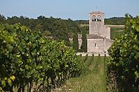 Europe/Europe/France/Midi-Pyrénées/46/Lot/Mauroux: Église romane de Cabanac dont le clocher est inscrit au monuments historiques et vignoble AOC Cahors