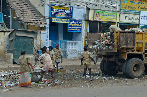 Garbage collection. India, Tamil Nadu, Madurai, 2005.  No releases available.