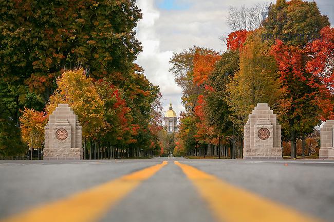 Oct. 25, 2005; Notre Dame Avenue entrance to campus. (Photo by Matt Cashore)