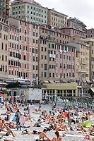Una veduta della spiaggia di Camogli, coi suoi caratteristici alti palazzi sullo sfondo.<br /> A view of the beach of Camogli, with its typical tall houses in background.<br /> UPDATE IMAGES PRESS/Riccardo De Luca