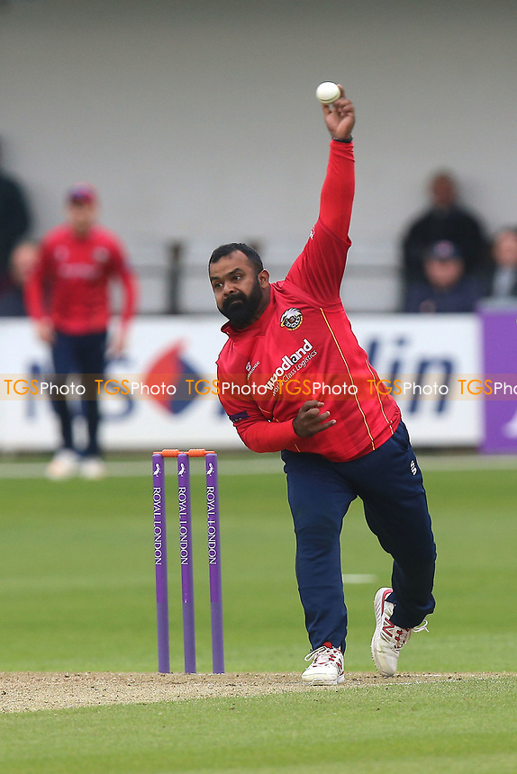 Ashar Zaidi in bowling action for Essex during Essex Eagles vs Gloucestershire, Royal London One-Day Cup Cricket at The Cloudfm County Ground on 4th May 2017