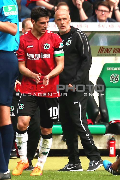 09.05.2015, HDI Arena, Hannover, GER, 1.FBL, Hannover 96 vs SV Werder Bremen im Bild <br /> <br /> Lars Stindl (Hannover 96)<br /> Trainer Michael Frontzeck (Hannover 96)<br /> <br /> Foto &copy; nordphoto / Rust