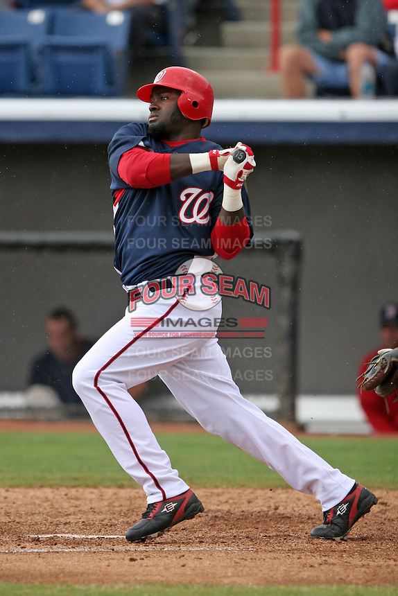 Washington Nationals Christian Guzman during a Grapefruit League Spring Training game at Spacecoast Stadium on March 19, 2007 in Melbourne, Florida.  (Mike Janes/Four Seam Images)