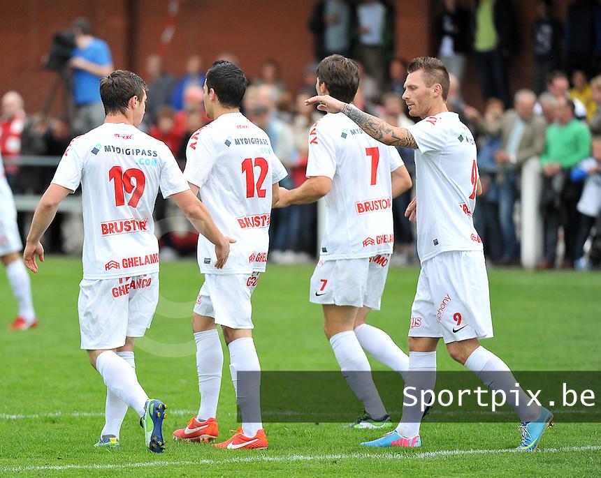 KV Kortrijk - SV Kortrijk : kortrijk viert hun doelpunt met  , Teddy Chevalier (rechts)<br /> foto VDB / Bart Vandenbroucke