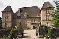 Europe/France/Aquitaine/64/Pyrénées-Atlantiques/Pays-Basque/Mauléon-Licharre: Le château de Maytie dit d'Andurain a été édifié à la fin du XVIe siècle par Pierre de Maytie. Le logis rectangulaire cantonné de pavillon est orné de fenêtres à meneaux et de lucarnes ouvragées de style renaissance.