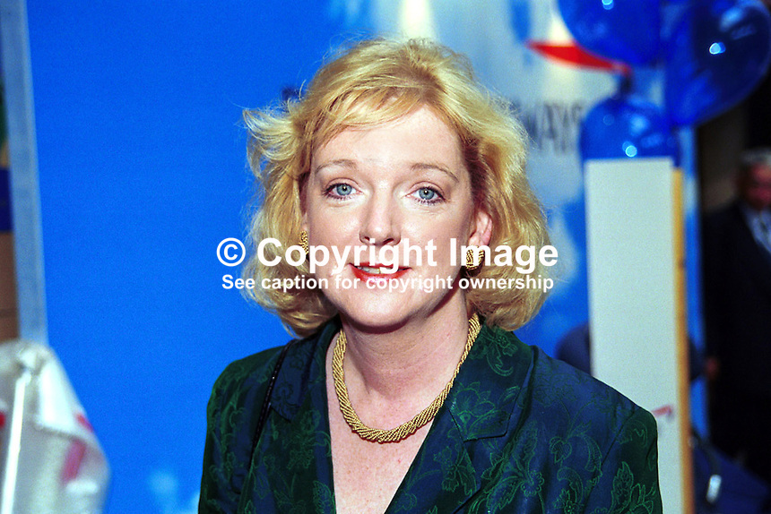 Fiona Jones, MP, Labour Party, Britain, UK, 199810168..Copyright Image from Victor Patterson, 54 Dorchester Park, Belfast, UK, BT9 6RJ..Tel: +44 28 9066 1296.Mob: +44 7802 353836.Voicemail +44 20 8816 7153.Skype: victorpattersonbelfast.Email: victorpatterson@mac.com.Email: victorpatterson@ireland.com (back-up)..IMPORTANT: If you wish to use this image or any other of my images please go to www.victorpatterson.com and click on the Terms & Conditions. Then contact me by email or phone with the reference number(s) of the image(s) concerned.