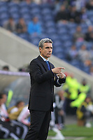 Porto's Portuguese coach Luís Castro during the League Cup football match between FC Porto and SL Benfica at Dragão Stadium in Porto on April 27, 2014 (PC: Pedro Lopes/Brazil Photo Press)