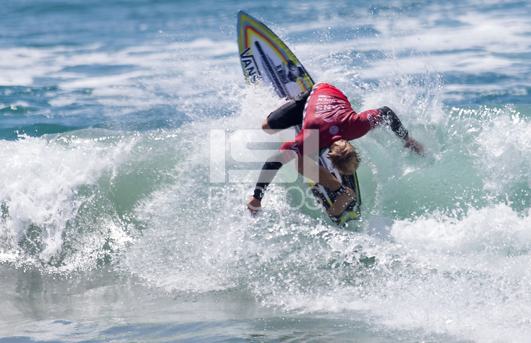 Huntington Beach, CA - Saturday August 4, 2018: Tanner Gudauskas in action during a World Surf League (WSL) Qualifying Series (QS) Men's Round of 16 heat at the 2018 Vans U.S. Open of Surfing on South side of the Huntington Beach pier.