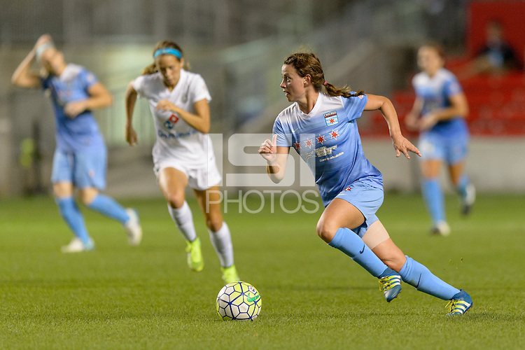 Chicago, IL - Wednesday Sept. 07, 2016: Taylor Comeau during a regular season National Women's Soccer League (NWSL) match between the Chicago Red Stars and FC Kansas City at Toyota Park.