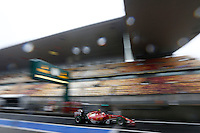 SHANGAI, CHINA, 19.04.2014 - GP DA CHINA - TREINO CLASSIFICATORIO - O piloto finlandes Kimi Raikkonen da equipe Ferrari durante o treino classificatório para o Grande Prêmio da China de Fórmula 1 no Circuito Internacional de Xangai, neste sábado(19). Hamilton ficou com a pole position com o tempo de 1min53s860 (Foto: Pixathlon / Brazil Photo Press).